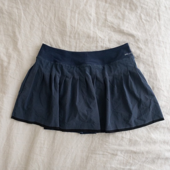 Nike navy victory tennis skirt medium